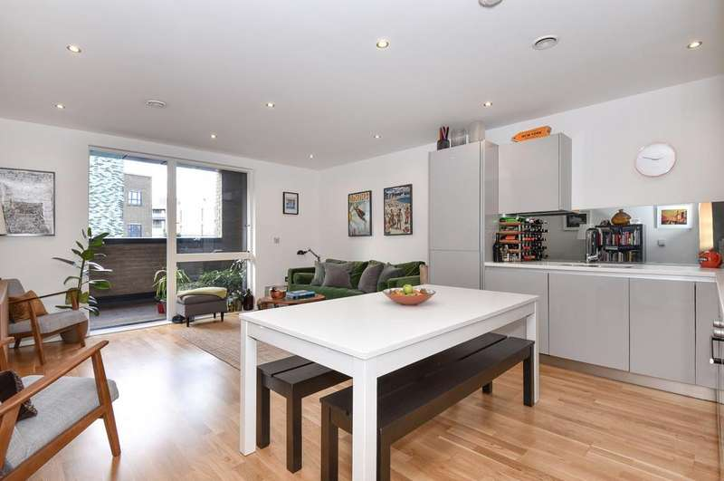 2 Bedrooms Apartment Flat for sale in Ockham Building, Arts Lane, SE1
