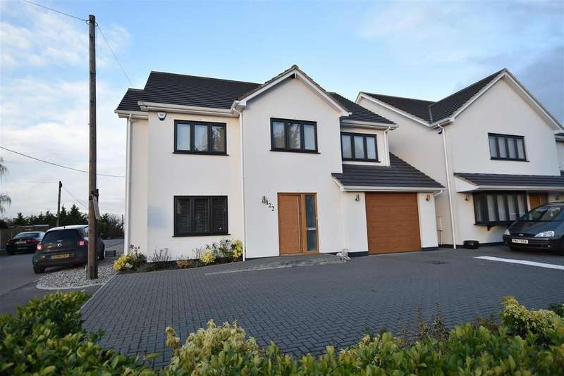 5 Bedrooms Detached House for sale in Rawreth Lane, Rayleigh