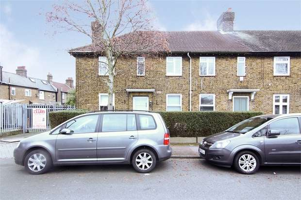 3 Bedrooms Flat for sale in Wigton Road, Walthamstow, London