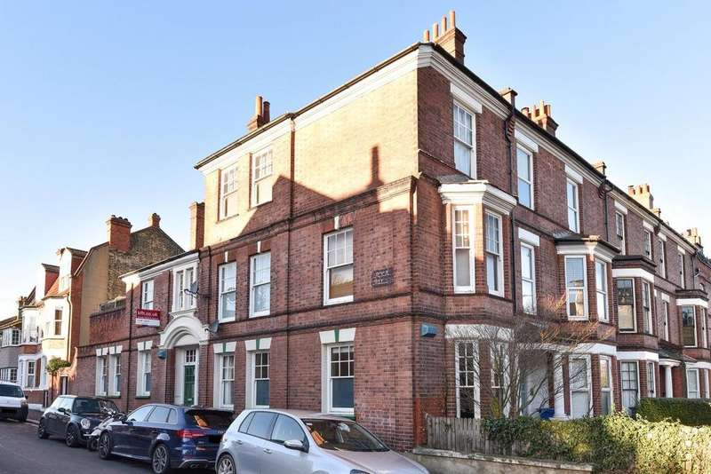 2 Bedrooms Flat for sale in Forest Hill Road, East Dulwich