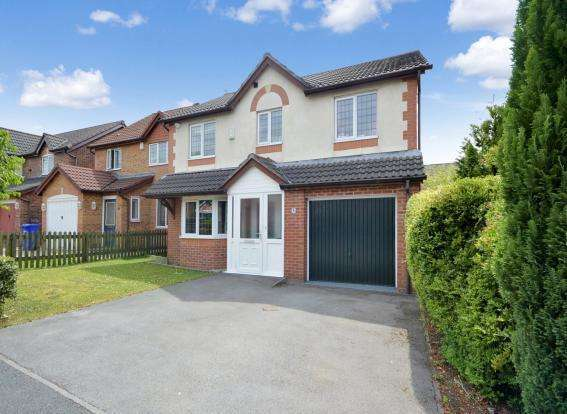 4 Bedrooms Detached House for sale in Freshpool Way, Manchester, M22