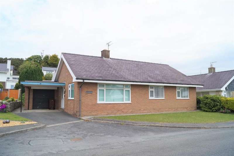 4 Bedrooms Detached Bungalow for sale in Ala Road, Pwllheli