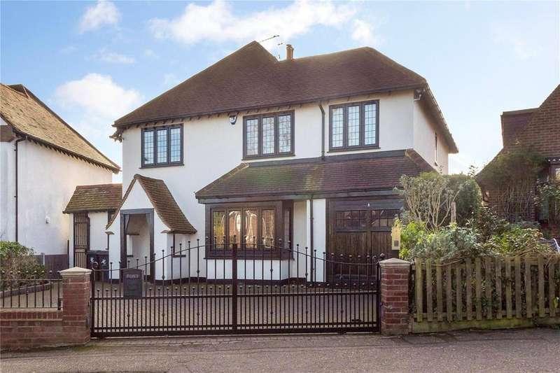 5 Bedrooms Detached House for sale in Roebuck Lane, Buckhurst Hill, Essex, IG9