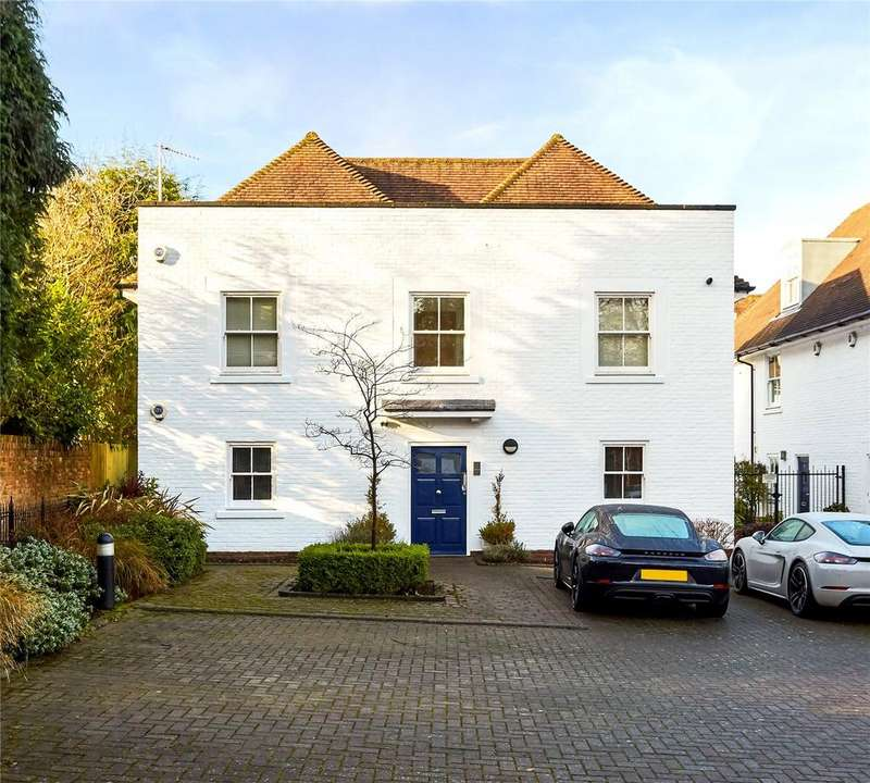 2 Bedrooms Flat for sale in Buckwell Place, Sevenoaks, Kent, TN13