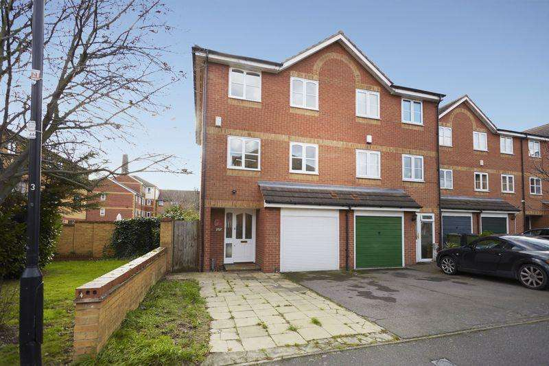 5 Bedrooms Semi Detached House for sale in Harlinger Street, Woolwich