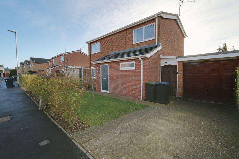 3 Bedrooms Detached House for sale in Wrens Close, Ely