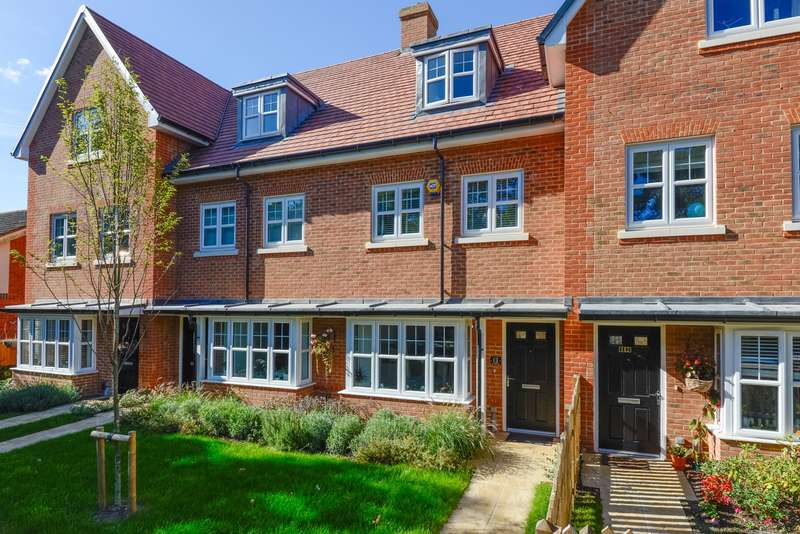 4 Bedrooms Town House for sale in Barming Walk, Barming, Maidstone, ME16