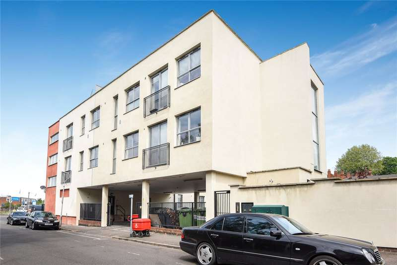 2 Bedrooms Apartment Flat for sale in Katesgrove Court, Basingstoke Road, Reading, Berkshire, RG2