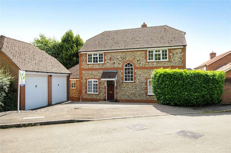 4 Bedrooms Detached House for rent in Buttercup Close, Wokingham, Berkshire, RG40