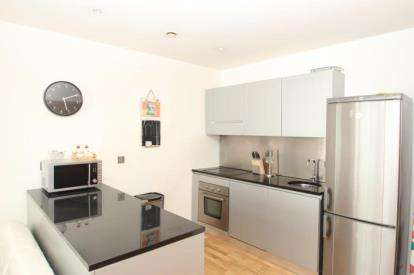 2 Bedrooms Flat for sale in Close, Quayside Lofts, Newcastle Upon Tyne, Tyne and Wear, NE1