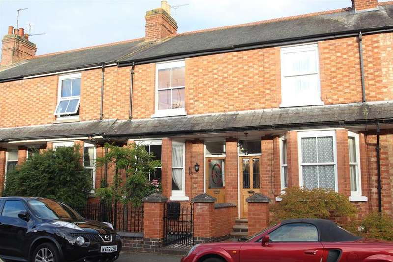 3 Bedrooms House for sale in Clarence Road, Stony Stratford, Milton Keynes