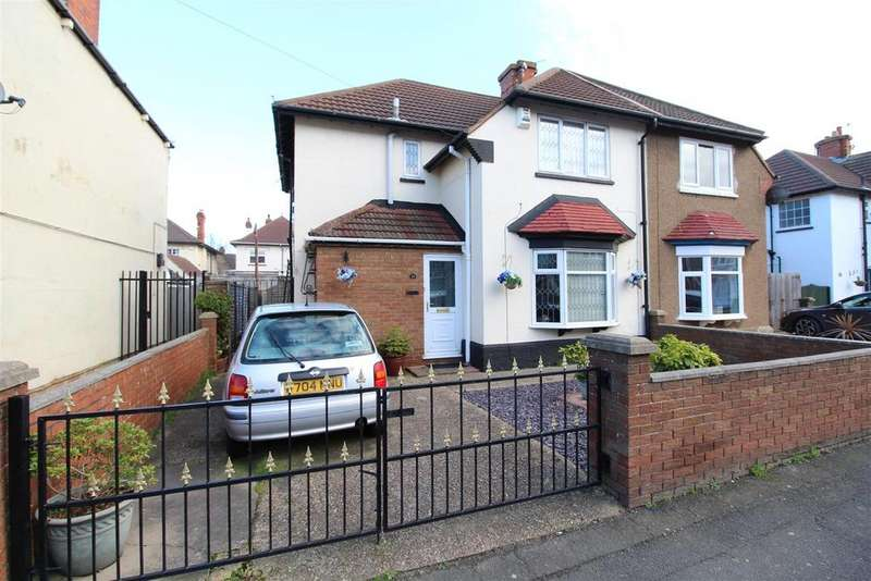 3 Bedrooms Semi Detached House for sale in Garnett Street, Cleethorpes