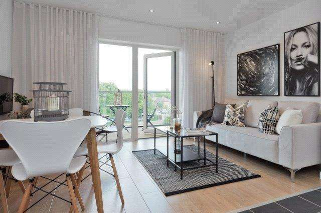 2 Bedrooms Flat for sale in Banbury Park, 158 Billet Road, Walthamstow, London, E17