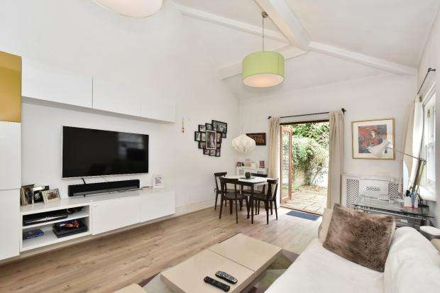 3 Bedrooms Terraced House for sale in Agamemnon Road, West Hampstead, NW6