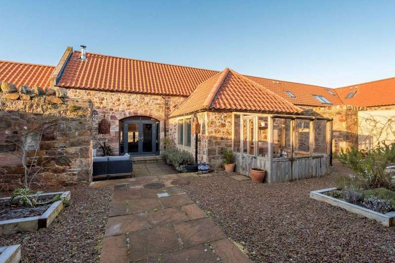 3 Bedrooms Terraced House for sale in 11 Camptoun Steading, Drem, East Lothian, EH39 5BS