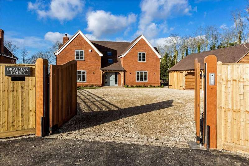 4 Bedrooms Detached House for sale in Shirburn Road, Lewknor, Watlington, Oxfordshire, OX49