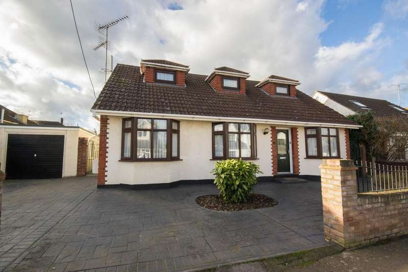 4 Bedrooms Chalet House for sale in Cedar Road, Hutton, Brentwood, Essex, CM13