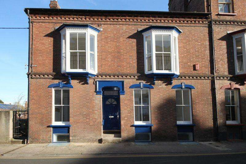 2 Bedrooms Semi Detached House for rent in Searle Street, Crediton
