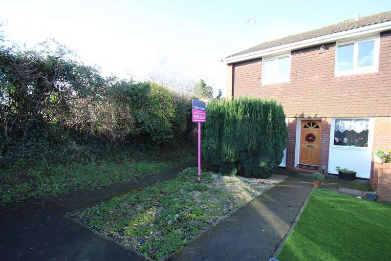 2 Bedrooms Apartment Flat for sale in Henderson Close, Trowbridge, Wiltshire, BA14