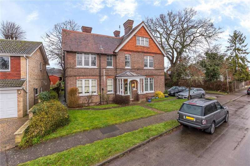 2 Bedrooms Flat for sale in Saberton Close, Redbourn, St Albans, Herts