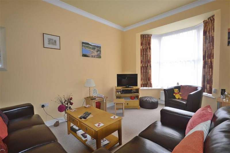 3 Bedrooms Detached House for sale in Norwood Place, Scarborough