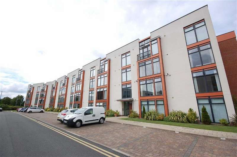 2 Bedrooms Flat for rent in Beech House, Sharston, Manchester, M22