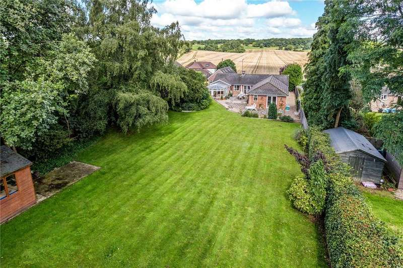 5 Bedrooms Detached Bungalow for sale in Long Lane, Shaw, Newbury, Berkshire, RG14
