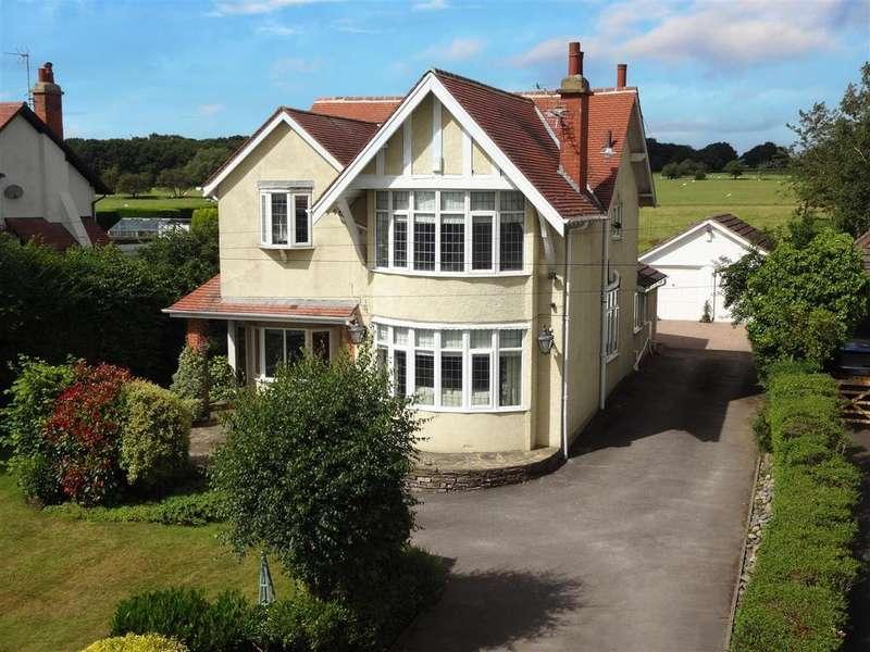 4 Bedrooms Detached House for sale in Kings Road, Bramhope