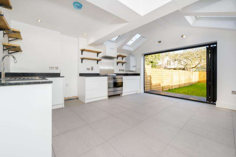 4 Bedrooms Terraced House for sale in Marlborough Road, Grandpont, Oxford