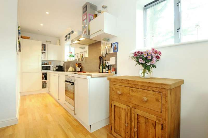 2 Bedrooms Apartment Flat for rent in Criterion Mews Shakespeare Road SE24