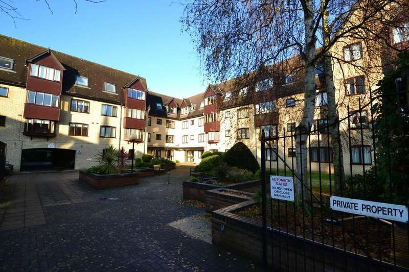 1 Bedroom Retirement Property for sale in Cavendish Court, Norwich