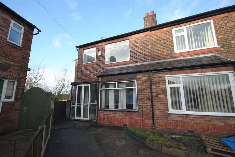 3 Bedrooms End Of Terrace House for sale in Rivington Avenue, Swinley, Wigan