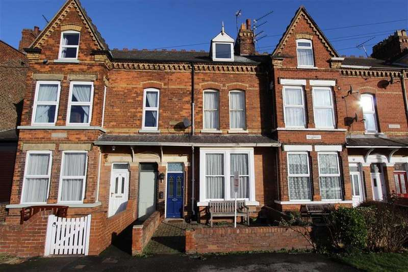 5 Bedrooms Terraced House for sale in Bessingby Road, Bridlington, East Yorkshire, YO16
