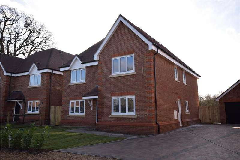 5 Bedrooms Detached House for sale in Oakley Drive, Burghfield Common, Reading, Berkshire, RG7