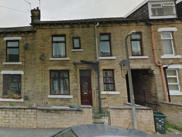 3 Bedrooms Terraced House for sale in Upper Mosscar Street , Bradford, BD3