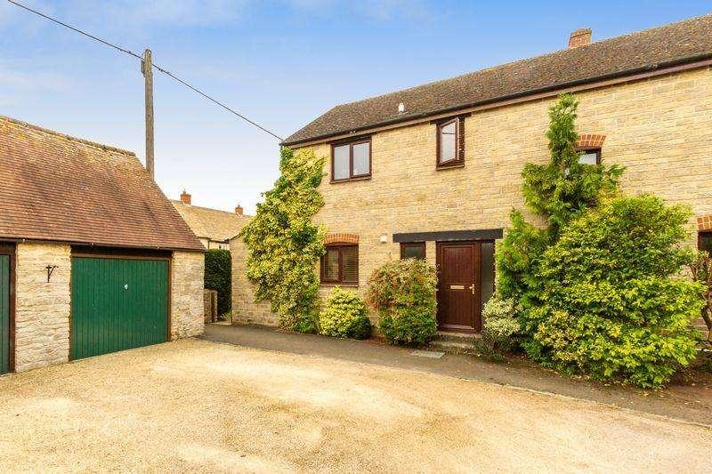 3 Bedrooms Semi Detached House for sale in Hollow Furlong, Cassington