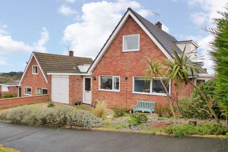 2 Bedrooms Chalet House for sale in Cromer