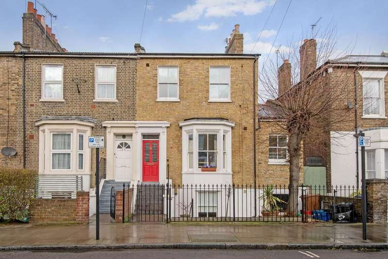 2 Bedrooms Flat for sale in Middleton Road, Hackney, London E8