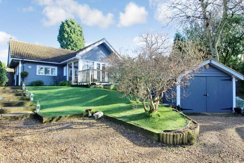 2 Bedrooms Cottage House for sale in Storrington - in a Private Lane