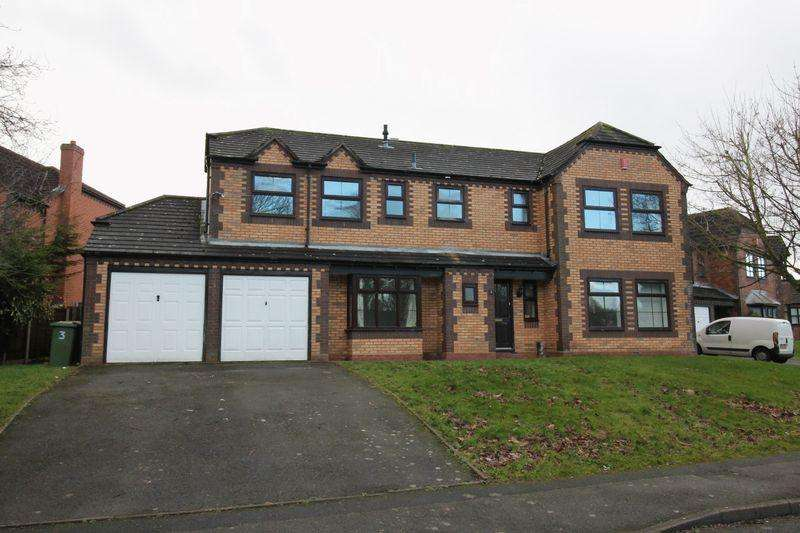 5 Bedrooms Detached House for sale in Kestrel Court, Apley, Telford