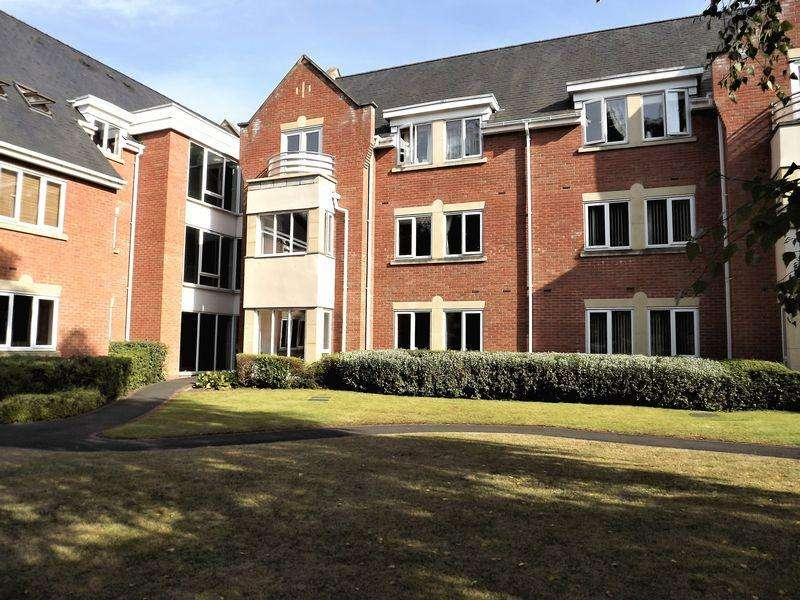 2 Bedrooms Apartment Flat for sale in Flat 10, 82 Station Road, Sutton Coldfield