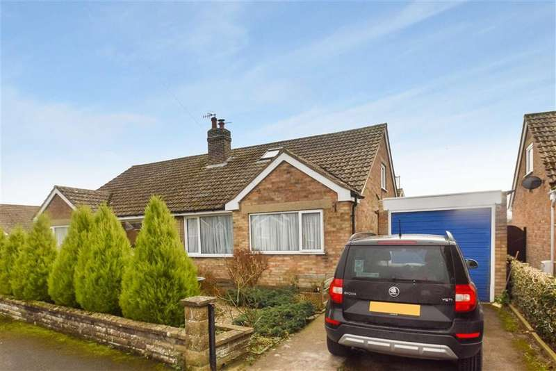 2 Bedrooms Semi Detached Bungalow for sale in Broughton Road, West Ayton, North Yorkshire, YO13