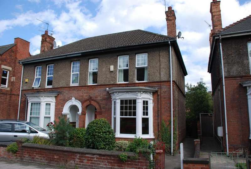 4 Bedrooms Semi Detached House for sale in Parnell Street, Gainsborough, Lincolnshire, DN21