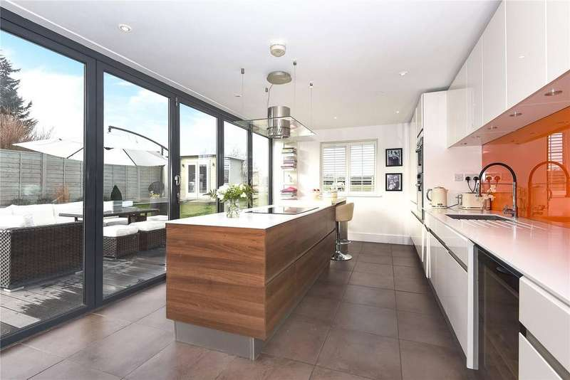 3 Bedrooms Semi Detached House for sale in Mount Pleasant, Bracknell Road, Brock Hill, Bracknell, RG42