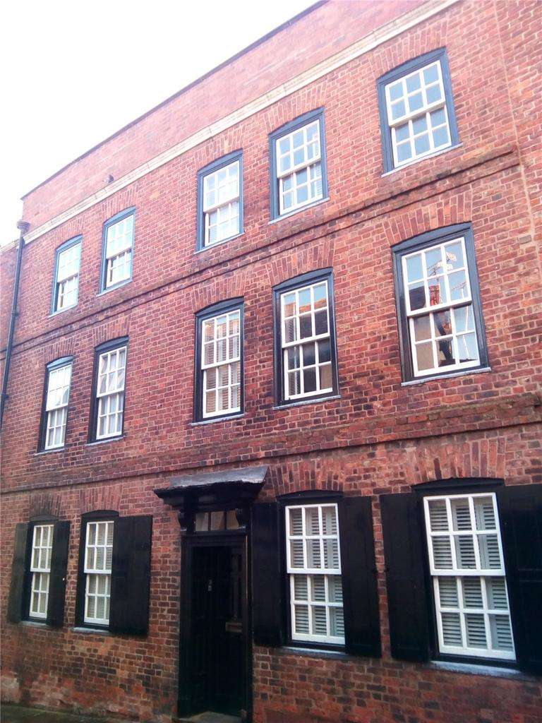 5 Bedrooms Terraced House for sale in Castle Street, Chester, CH1