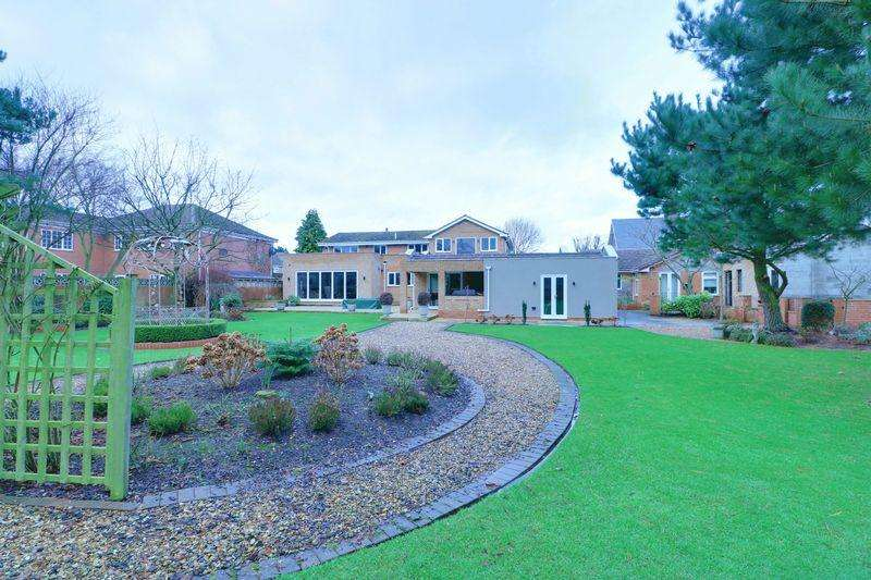 4 Bedrooms Detached House for sale in Main Street, Wawne