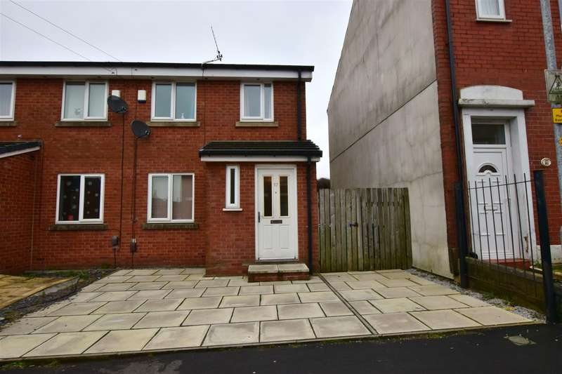 3 Bedrooms Semi Detached House for sale in Hillcrest Road, Rochdale