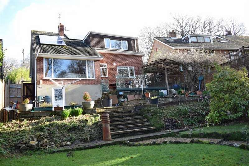 4 Bedrooms Detached House for sale in Hillside Road, Hastings