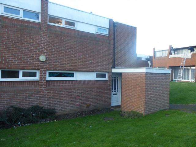 Studio Flat for sale in Knightthorpe Court Burns Road Loughborough