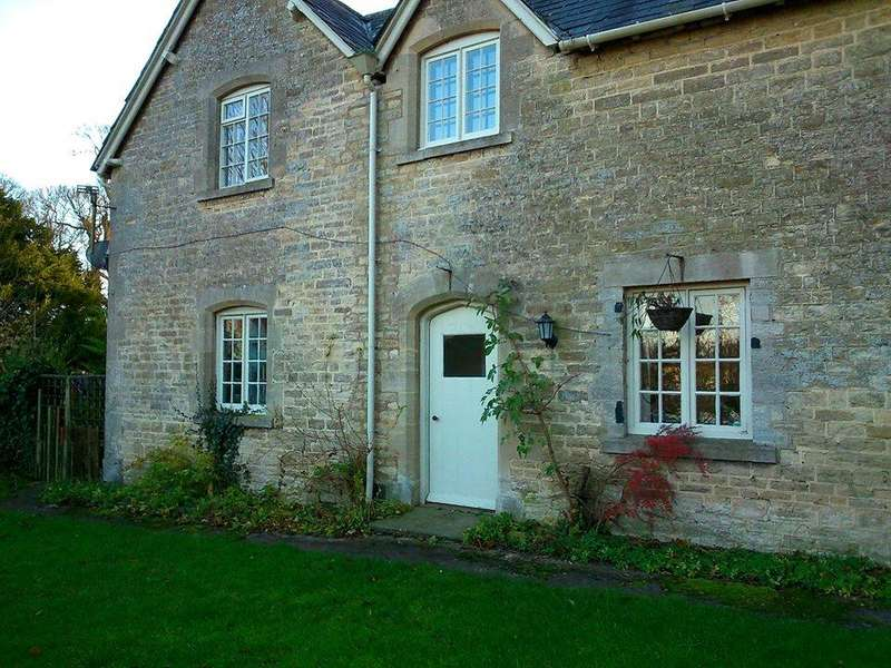 3 Bedrooms Cottage House for rent in Park Road, Kiddington, Oxfordshire, OX20